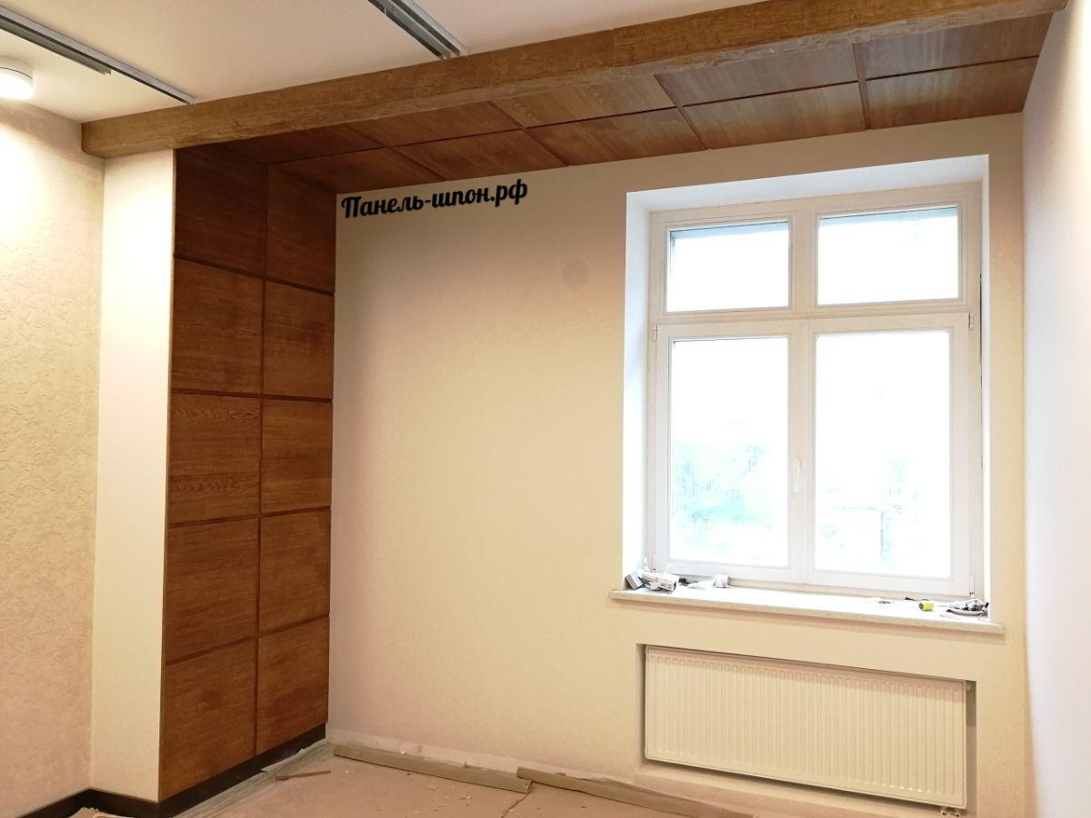 Шпонированные стеновые панели в квартире «Парадный квартал»