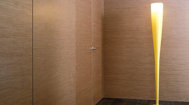 Скрытая дверь и стеновые панели