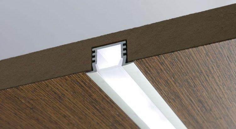 Светодиодный профиль в стеновых панелях